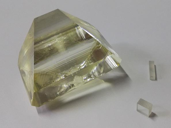磷酸钛氧钾(KTP)晶体 (KTiOPO4)